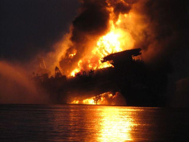 Deepwater_Horizon_explosion1