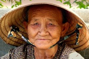 old-vietnamese-woman bp oil spill
