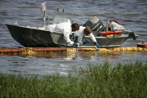 BP, Spill Partners Harmed Oil Cleanup Crews, Lawyers Say