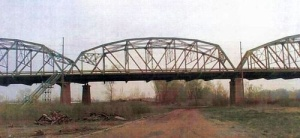 frogsville train yard bridge